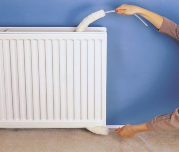 Come pulire i termosifoni tel 800608538 uscita gratis for Attrezzo per pulire le persiane
