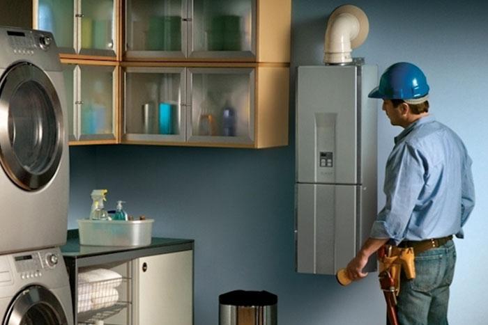 Scaldabagno elettrico o a gas? Ecco quale scegliere